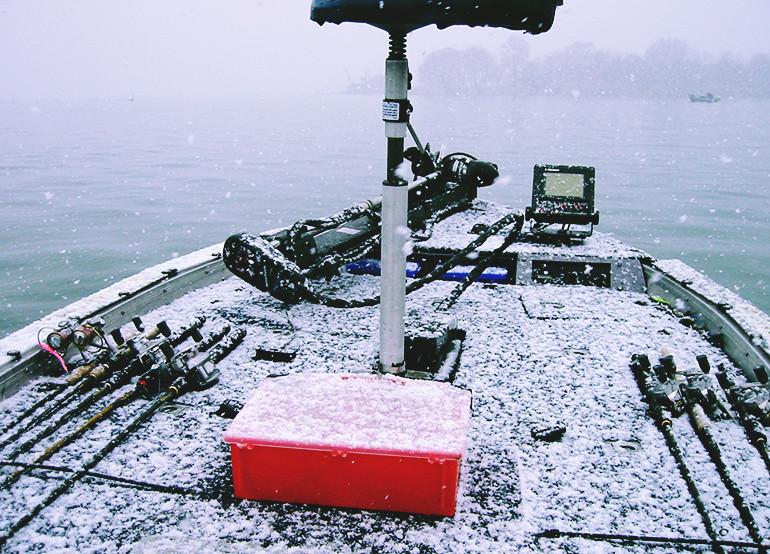 真冬船上雪