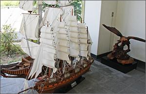 ハヤブサ置物 帆船模型