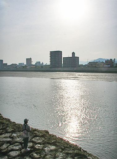 天満川左岸の釣り場