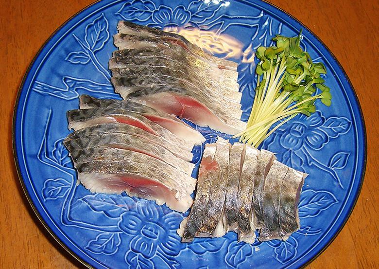 家まで待てない! 「しめ鯖」 即食いマニュアル ゴマサバが美味しい季節がやってきた!