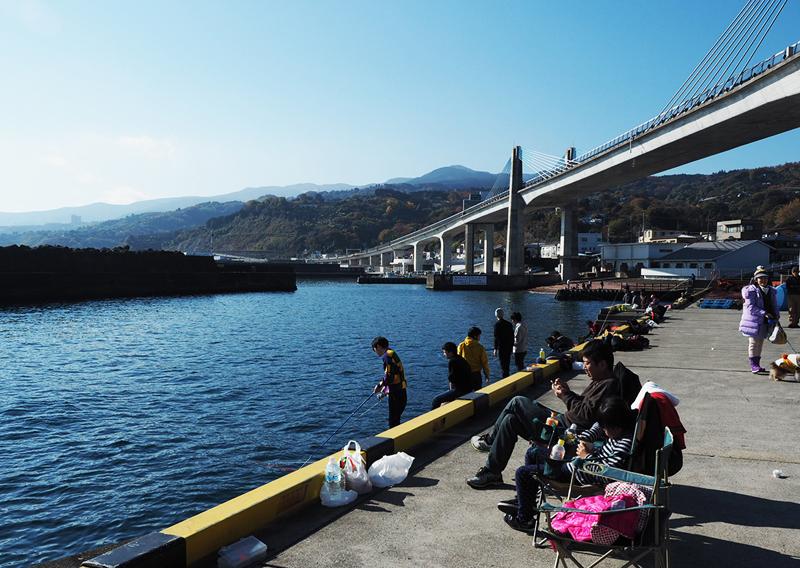 小田原漁港から早川港