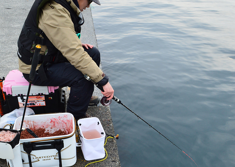 堤防でのダンゴ釣り