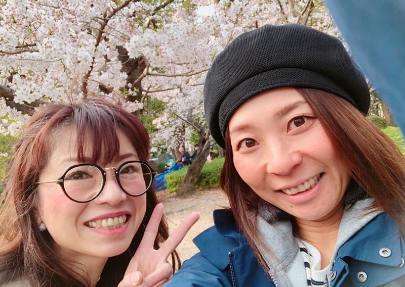 30_桜の木の下でパチリ