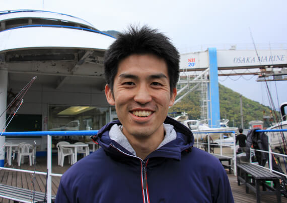 prof_02 海外販売の吉田直人くん