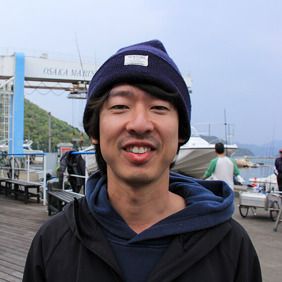 prof_03 国内販売の清水雅史くん