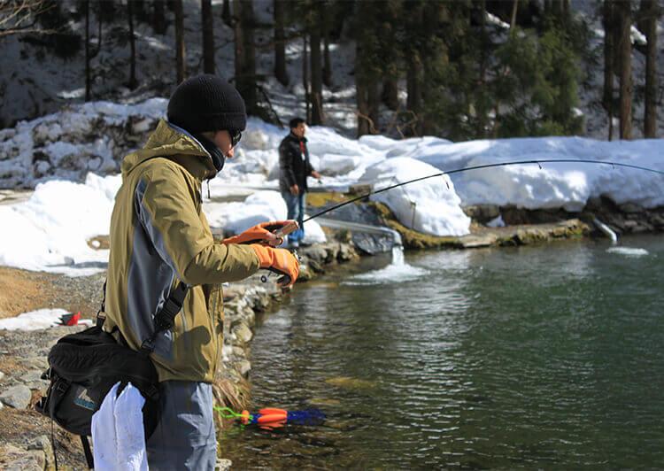 04_IMG_4845.JPG 管理釣り場での釣りシーン