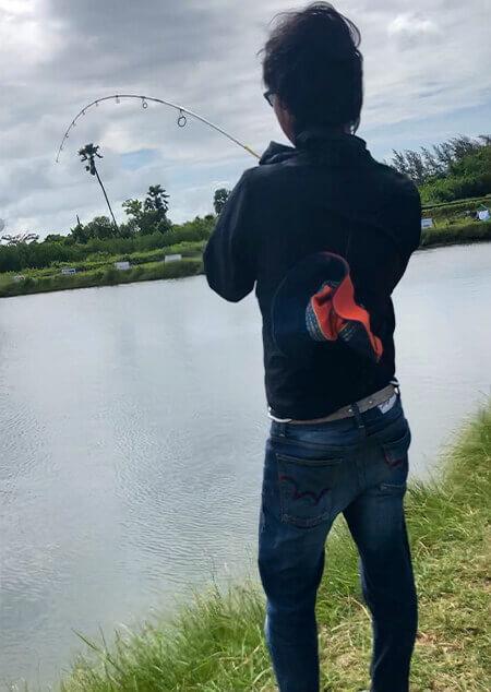 05 IMG_1379 釣りシーン