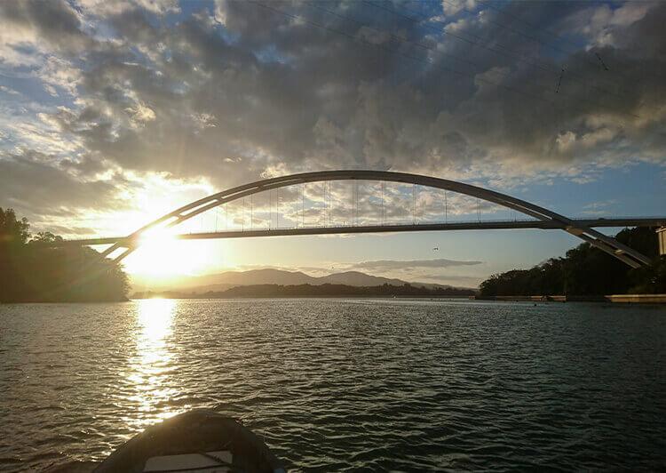 06 夕焼けの鶴亀大橋