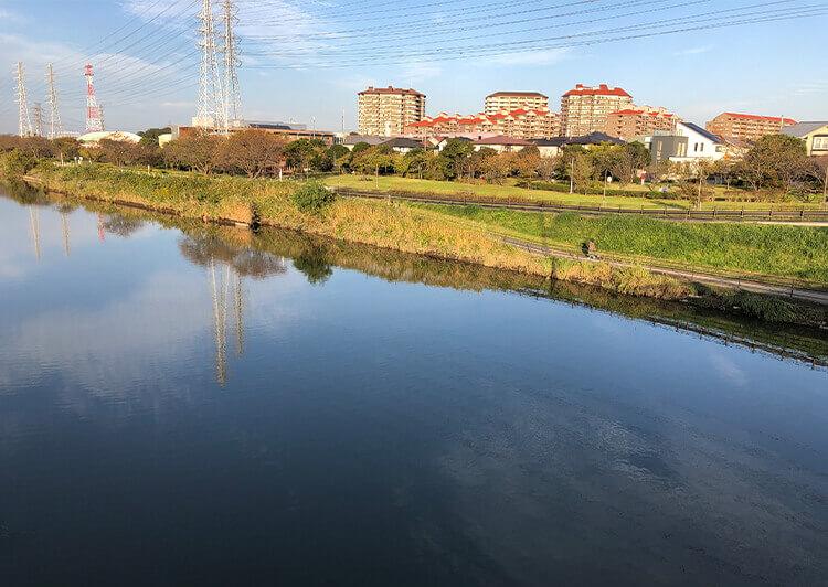 11 川の風景