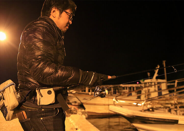 05_ IMG_7166_2019 釣りシーン(漁船の間)