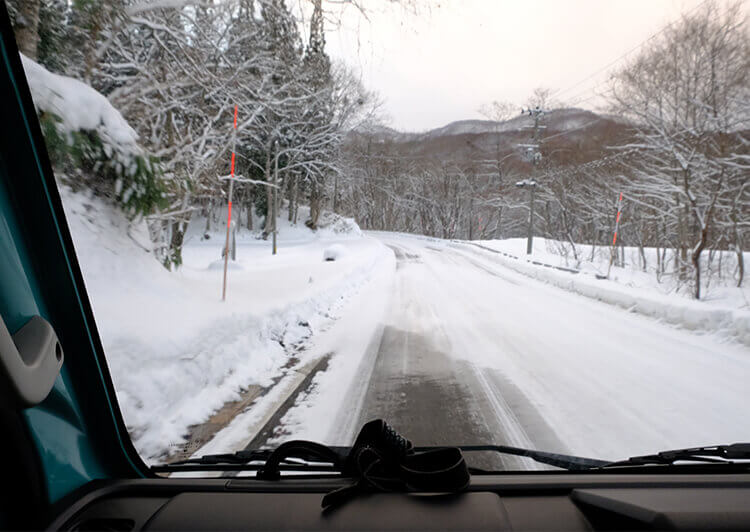 3_ 雪道をトラベルハウスでひた走る