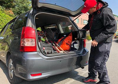 4 ウォンさんの車にタックルを乗せて移動