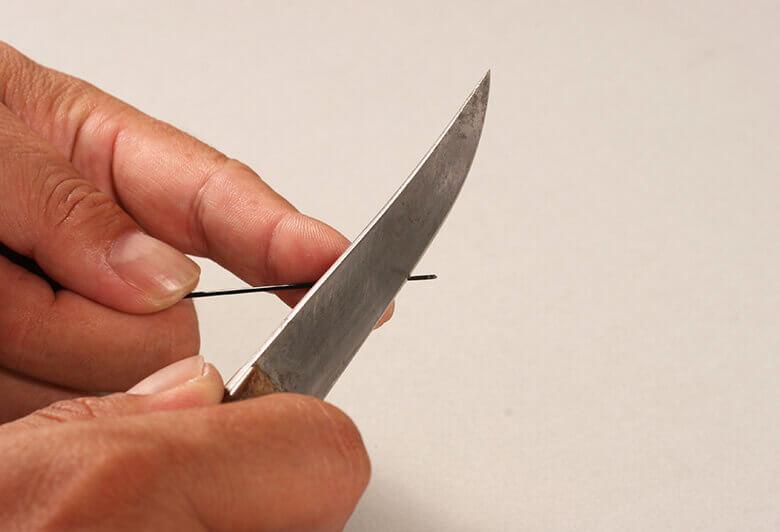 ナイフで削る