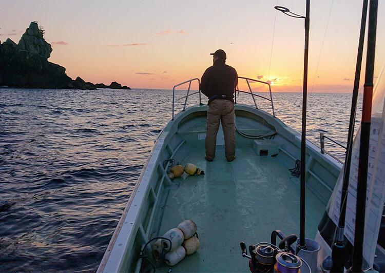 09_ IMG_7242 ボート上での釣りシーン
