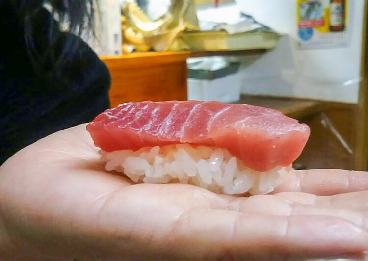 10_ IMG_7462 自ら握ったお寿司