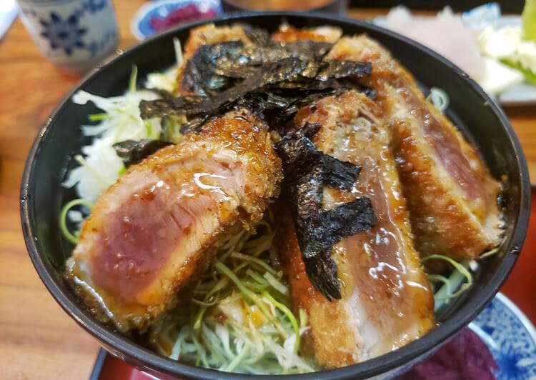 11_ IMG_7454 マグロのレアカツ丼