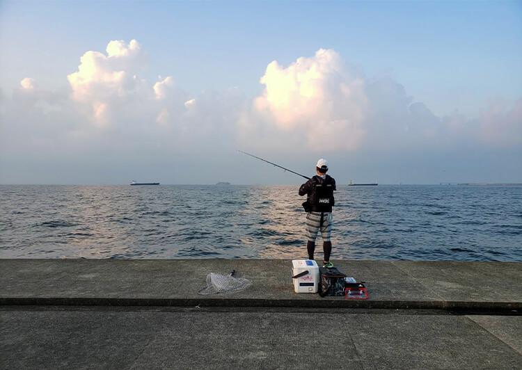 01_ IMG_8440 堤防釣りシーン(後ろ)
