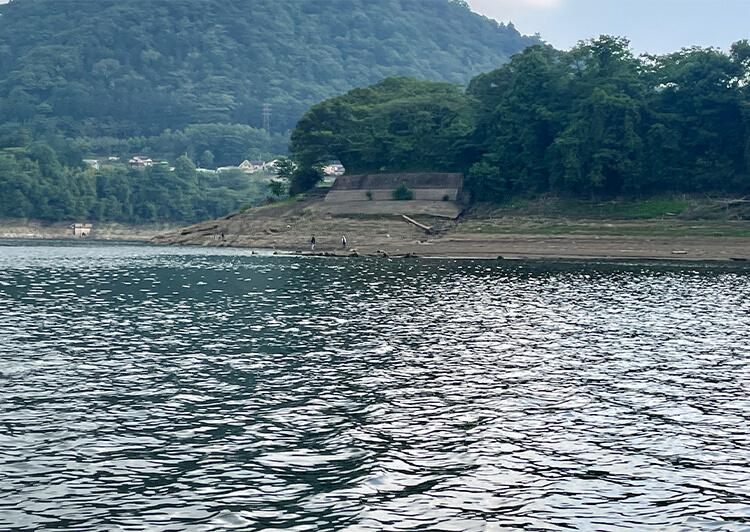 02_ 津久井湖