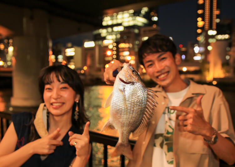17_ IMG_2533 キビレを持つ川田さんとヒグチアイさん
