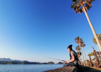 21_IMG_2825 堤防に腰かけて釣る