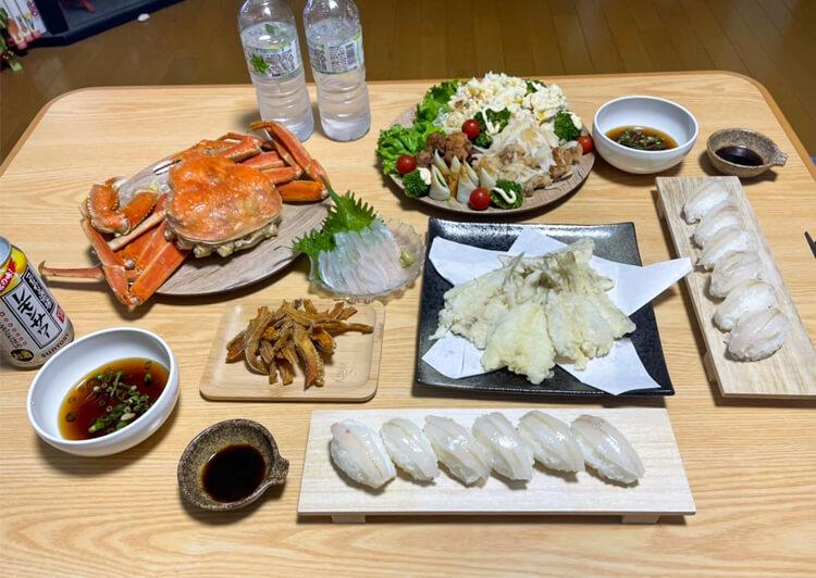 15_ IMG_9321 豪華なバースデー料理が並ぶ食卓